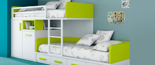 Двухъярусная кровать в детской комнате – за и против